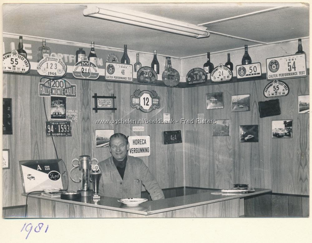 Gerrit Pieters in zijn kantoor
